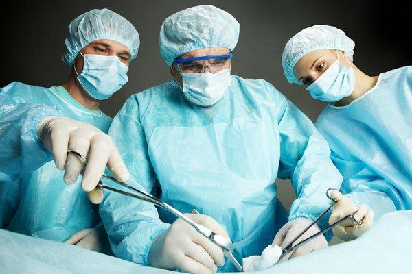 Как проходит хирургическая операция при бартолините