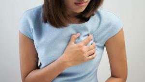 Как отличить мастит от лактостаза: симптомы мастита у кормящей мамы