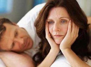 Почему женщину беспокоит сухость во влагалище, и как с этим бороться?