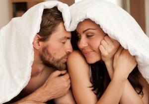Плюсы и минусы полового акта во время месячных
