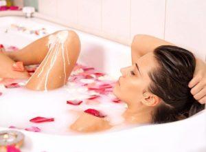 Почему не рекомендуется принимать ванну при менструации